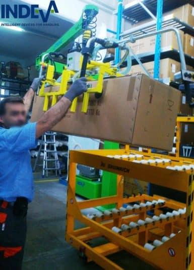Handhabung von Pappkartons mittels Vakuumgreifer