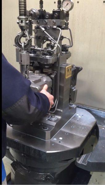elektronische manipulatoren - Werkzeugemaschine