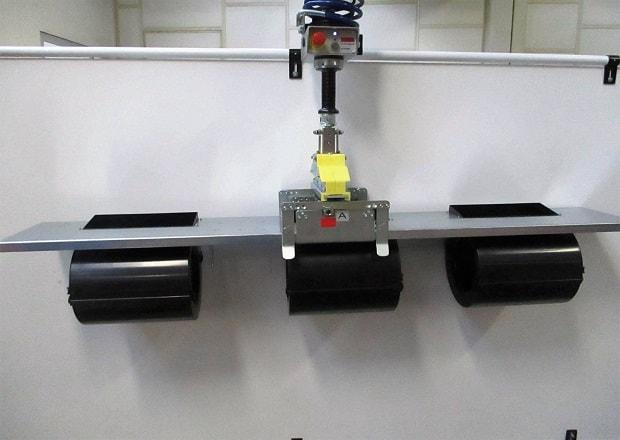 Handhabung und Positionierung von elektromechanischen Geräten