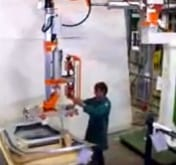 пневматический манипулятор INDEVA для автомобильной промышленности